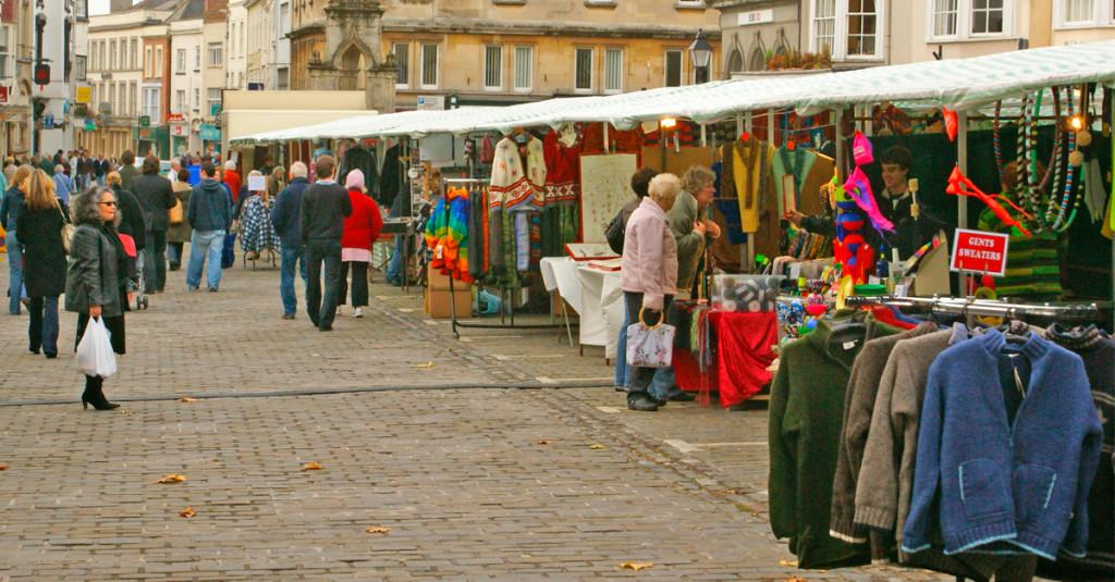 Mercadillos donde comprar ropa de segunda mano - Mercadillos de segunda mano barcelona ...