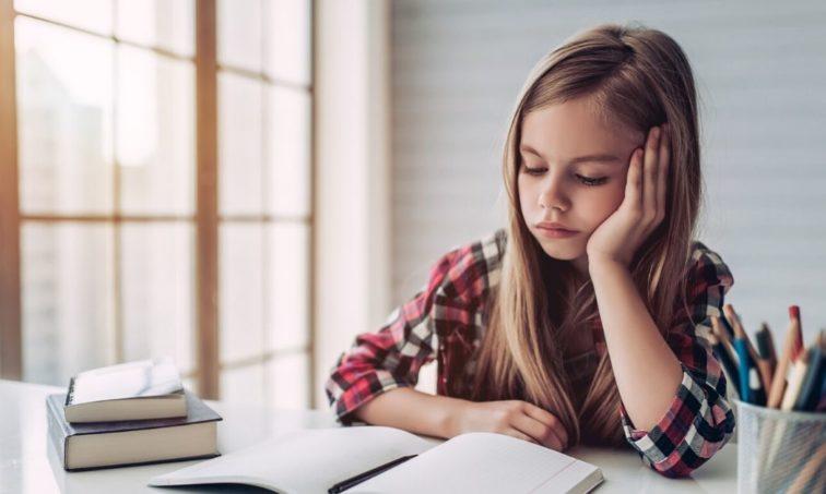 ¡Menos deberes para los niños! (istock)