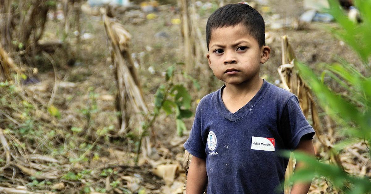 contra la pobreza infantil ayuda en accion