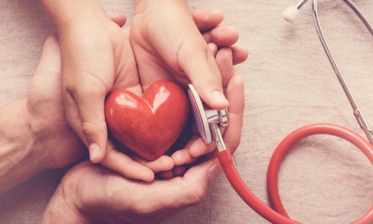 Firma para que la donación de órganos sea obligatoria (istock)