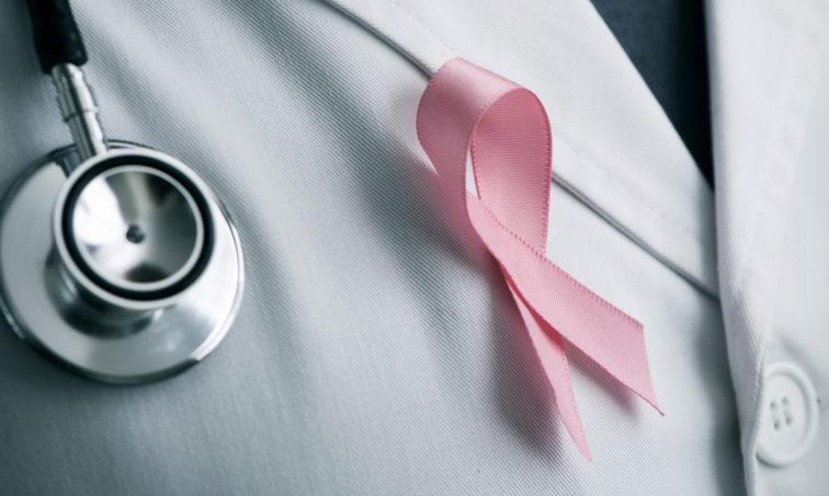 Luchemos juntas para encontrar la cura al cáncer de mama. (iStock)