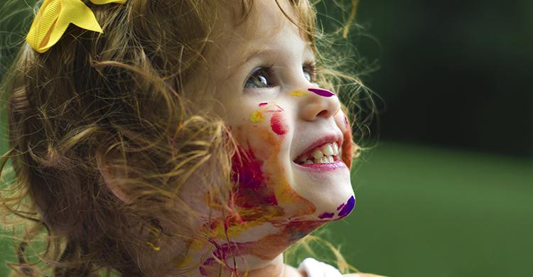 La creatividad es una herramienta de desarrollo muy importante en edades tempranas (Unsplash)