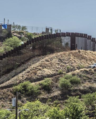 Firma para que prohíban la construcción del muro entre EEUU y México