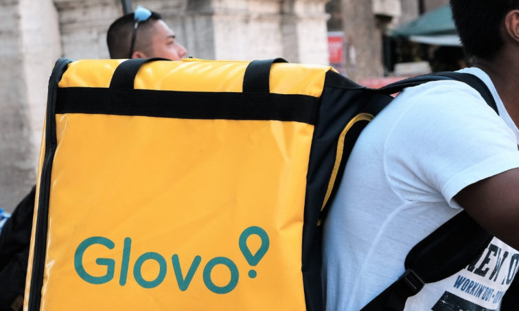 Los mensajeros de Glovo se merecen tener derechos laborales. (iStock)