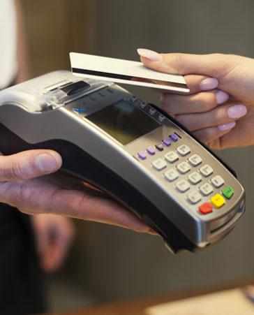 Firma para eliminar el importe mínimo de pago con tarjeta