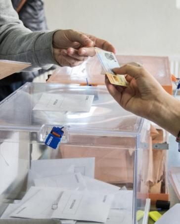 Firma para que las mesas electorales se cubran con parados