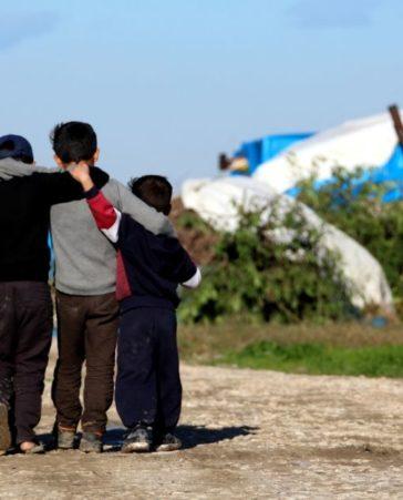 Firma en contra de la deportación de refugiados